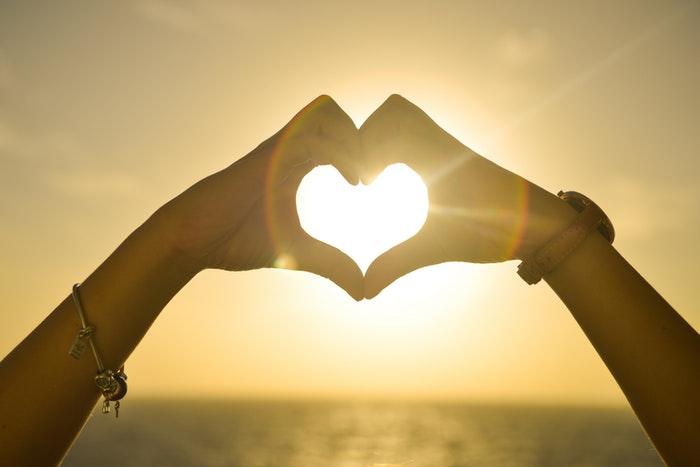 1586864337 6598 Sunset Hands Love Woman